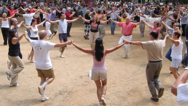 L'agrupació sardanista d'Arenys de Munt organitza una sortida  a l'Aplec sardanístic de Figueres